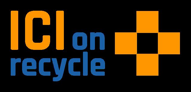 Logo de la certification Performance + du programme ICI on recycle + de RECYC-Québec